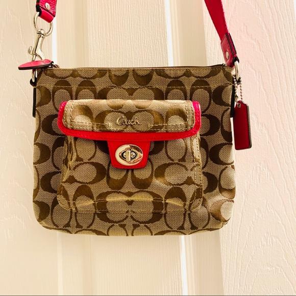 Coach Handbags - Like New COACH Signature Crossbody Handbag